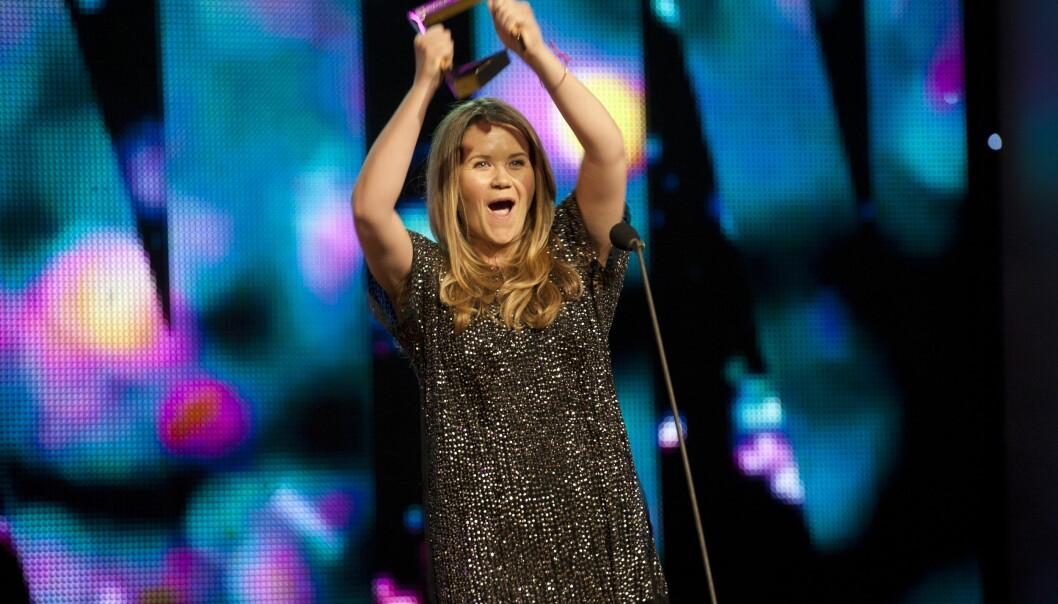<strong>TV-SUKSESS:</strong> Live Nelvik har vunnet Gullruten to ganger de siste årene. Her mottar hun sin første Gullruten under prisutdelingen i Bergen i 2012, for «Årets navn».  Foto: NTB scanpix&nbsp;