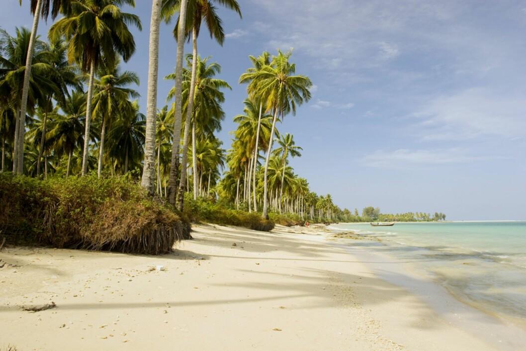 WHITE SAND BEACH: Stranden i Khao Lak er som navnet tilsier kritthvit og har myk og deilig sand. Foto: Gavriel Jecan / NTB Scanpix