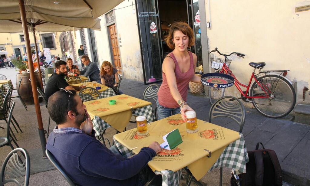 SALUTE: Hyggelige uteserveringer i historiske omgivelser finnes det mange av i Lucca.