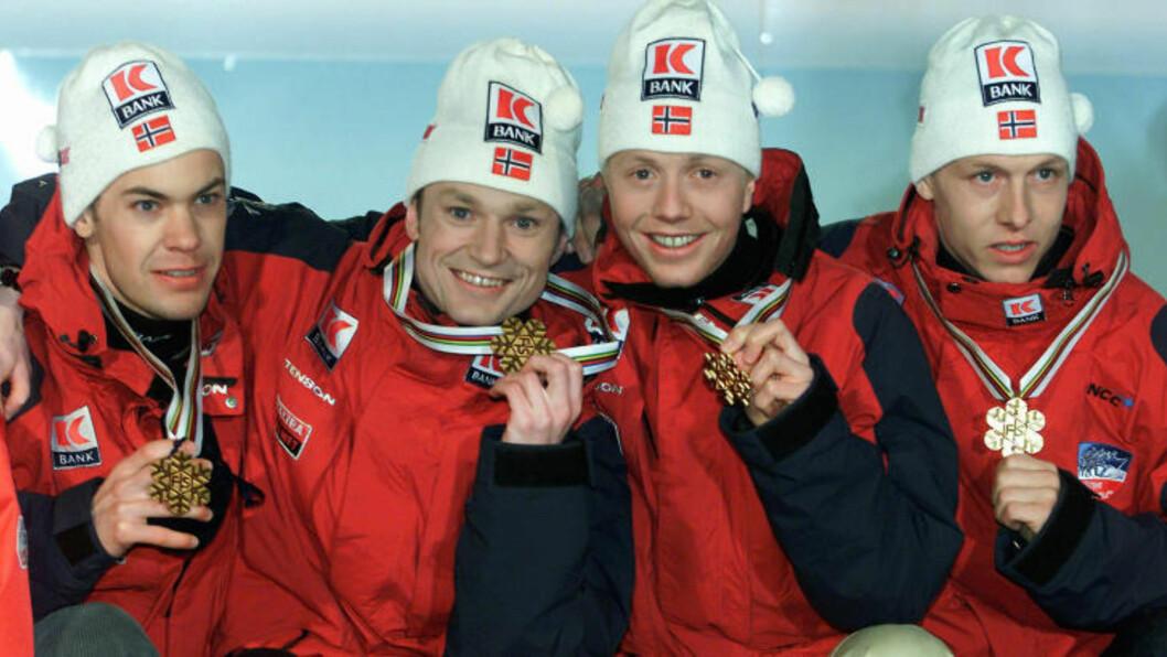<strong>GULLGUTTER:</strong> Her er de norske gullvinnerne i lagkonkurransen fra Lahti i 2001: Sverre Rotevatn (f.v.),  Bjarte Engen Vik, Kristian Hammer  og Kenneth Braaten. Foto: Lise Åserud / SCANPIX