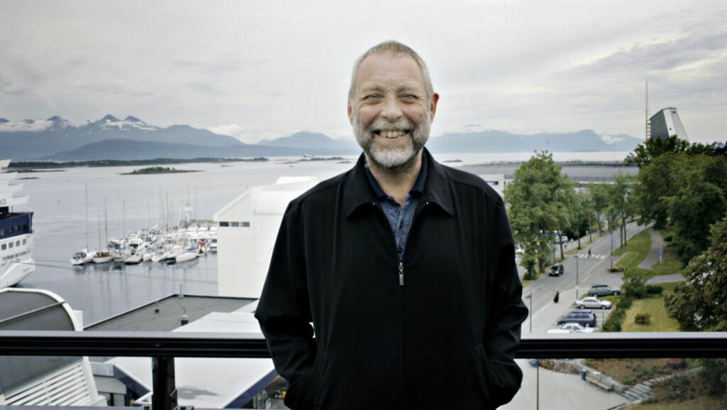 RESIDERENDE: Dave Holland på terassen til Hotel Alexandra i 2007. Nå blir det gjensyn med Molde og Romsdal for den store bassisten.  Foto: Lars Eivind Bones / Dagbladet