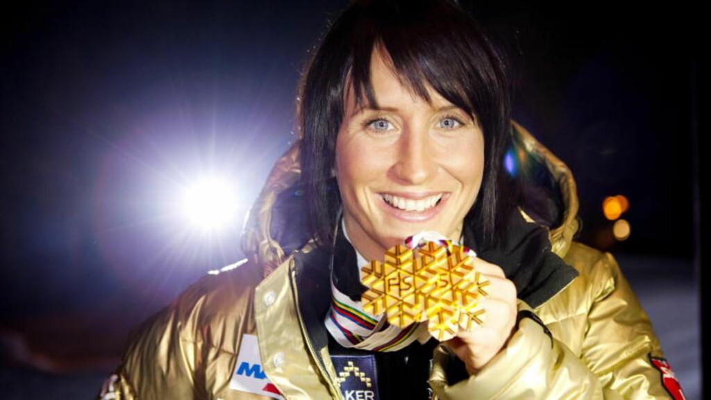 STÅR PÅ TRE GULL LITT TIL: Først torsdag kan Marit Bjørgen vinne gull fire, på jentestafetten. Foto: Foto: Thomas Winje Øijord / Scanpix