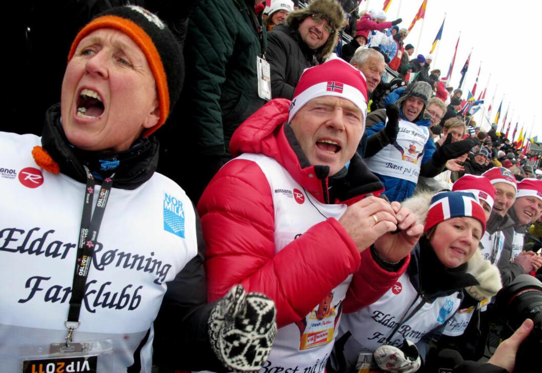HEIET PÅ ELDAR: Mamma Bodil, pappa Jan og kona Laila Selbæk heiet Eldar Rønning inn til sølvmedalje i dag. Foto: Jan Thomas Holmlund