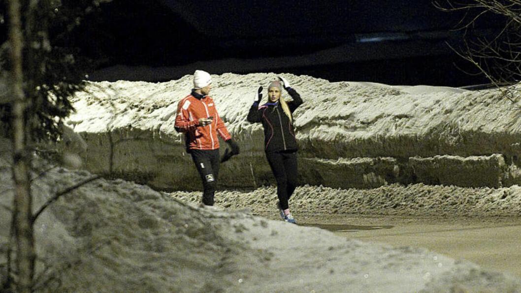 JOGGET SAMMEN: Rachel Nordtømme sa til TV 2 for noen dager siden at hun ikke har sett kjæresten Petter Northug på en måned. I går jogget de sammen ved utøverhotellet, like ved Holmenkollbakken. Foto: Thomas Rasmus Skaug  / Dagbladet