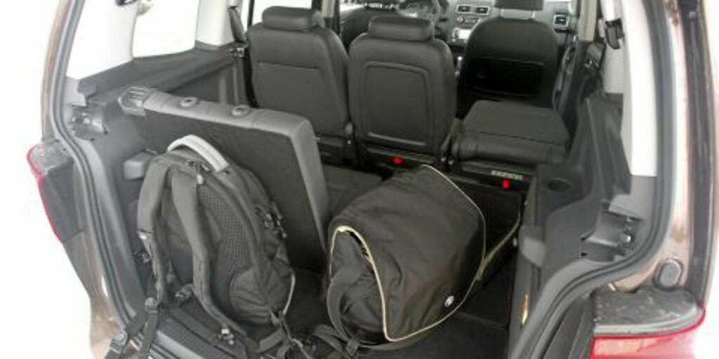 TRANGT: Med alle setene i bruk, er det liten plass til bagasje. FOTO: Egil Nordlien, HM Foto
