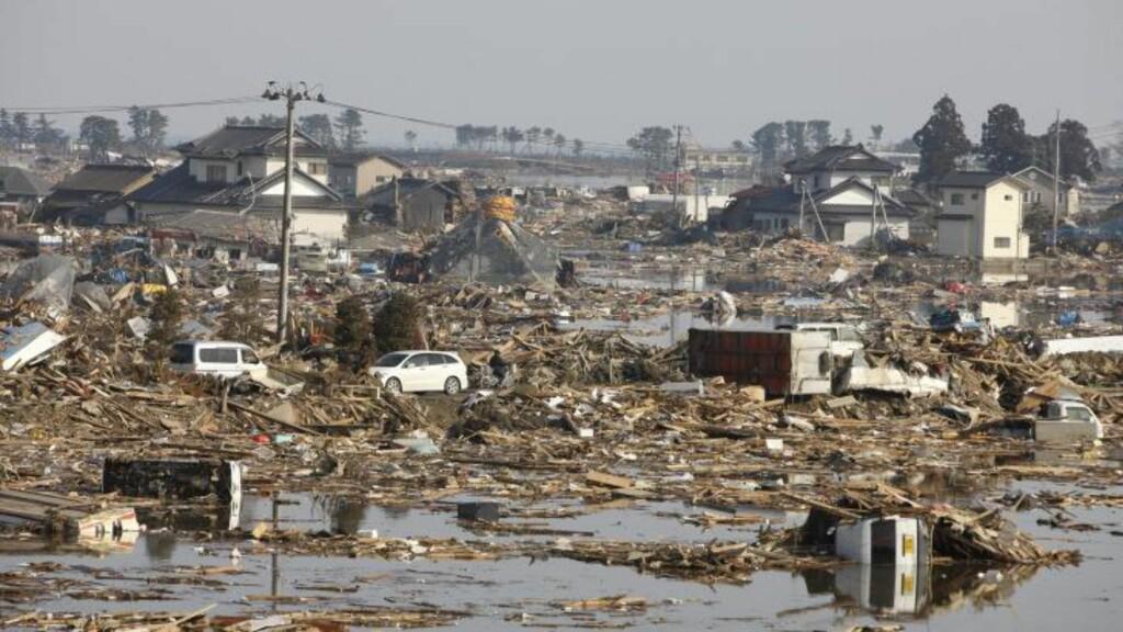 FOR GAMLE TIL Å LØPE:  I landsbyen Yuriage har letingen etter overlevende blitt leting etter døde kropper. Og de fleste av de døde er gamle - for gamle til å kunne løpe fra tsunamien, skriver The New York Times. Foto: EPA/SCANPIX
