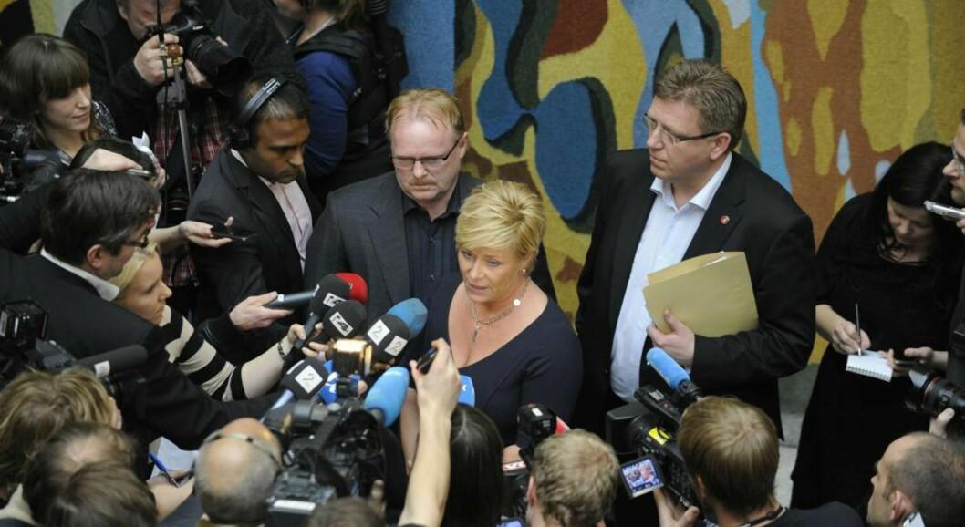 <strong>STORT PRESSEOPPBUD:</strong> Siv Jensen slo en vits, angrep pressen og nektet å si noe mer om sexskandalen. Foto: John T. Pedersen/Dagbladet