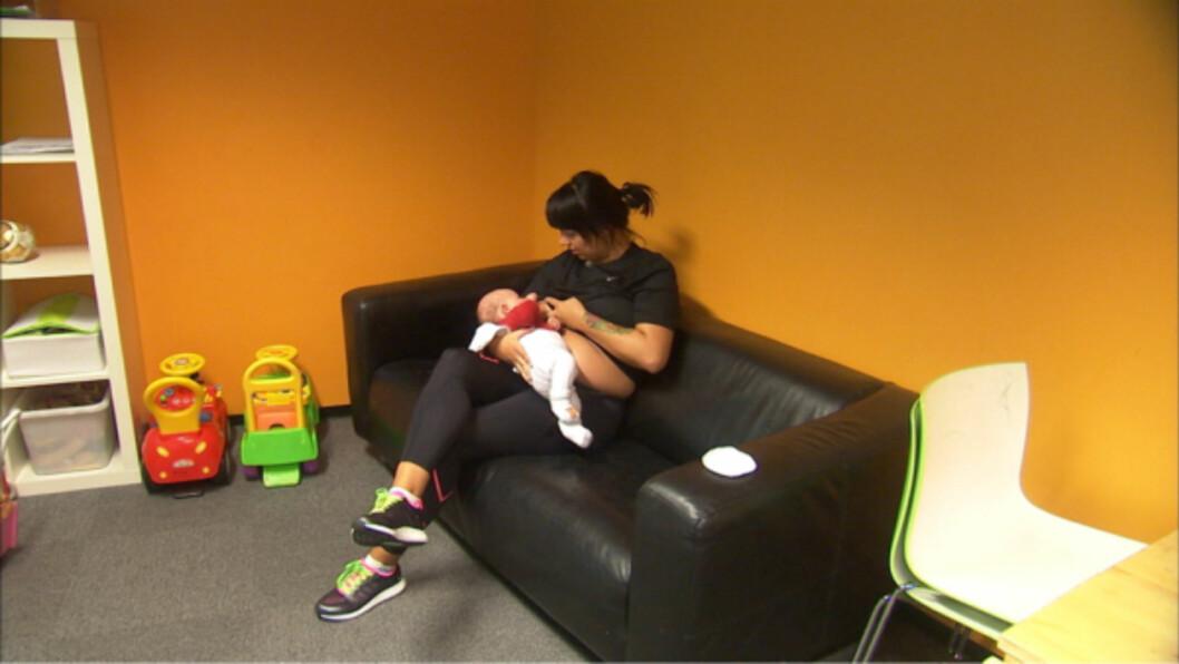AMMEPAUSER: Veronica opplevde det som stressende å trene så mye samtidig som hun skulle sørge for at babyens behov ble ivaretatt. Foto: Privat
