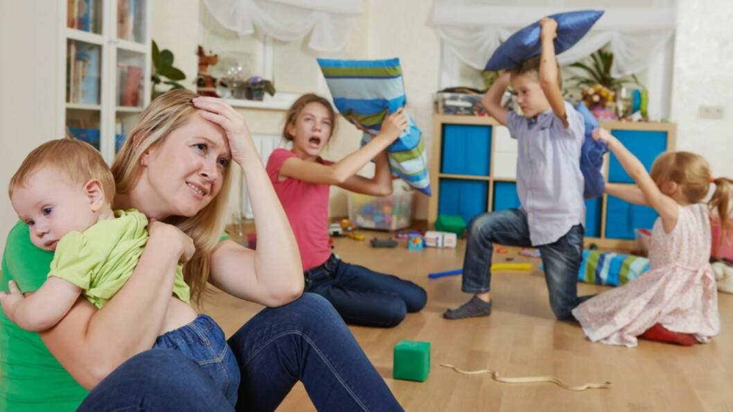 <b>STRENGE REGLER ELLER IKKE?</b> Mammanett har snakket med to mødre som har et ganske så forskjellig syn på barneoppdragelse. Foto: Shutterstock