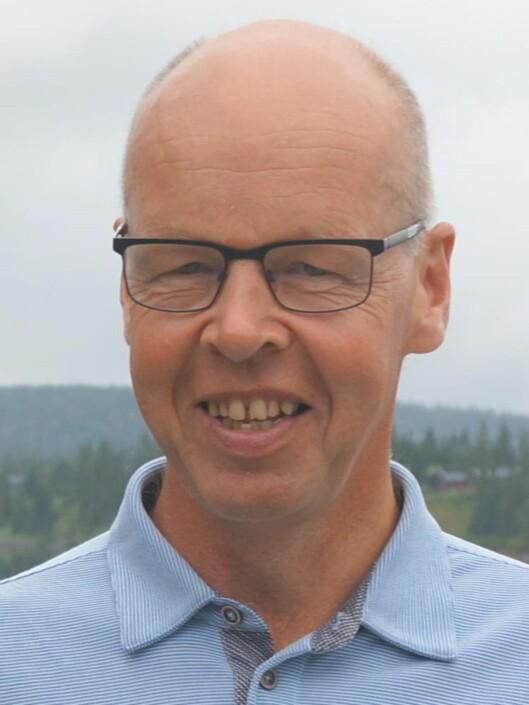 ET SKRITT I FEIL RETNING: Thomas Nordahl mener at å fjerne lekser vil gjøre foreldre mindre involverte. Foto: HIHM