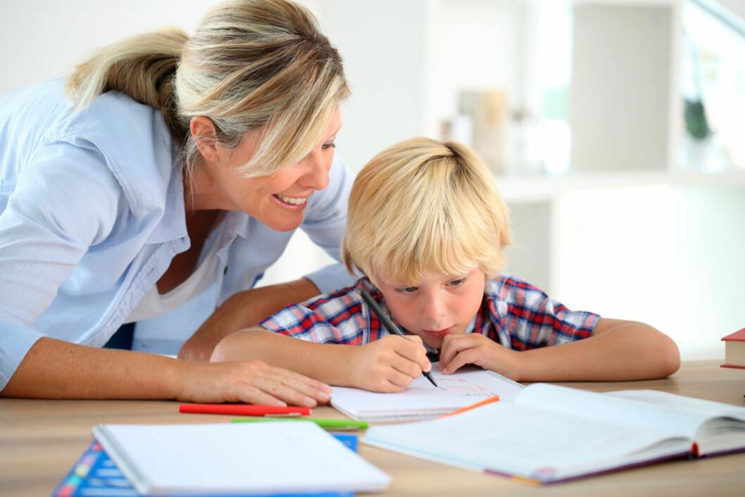 BRY DEG: - Det viktigste er at du viser at skole og lekser er prioritert! Foto: Shutterstock ©