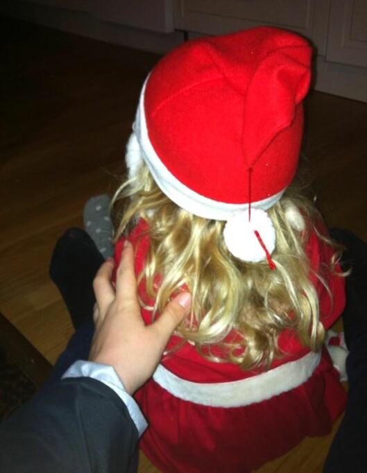 ARVER KLÆR: - Datteren min har aldri fått nye klær, forteller alenemoren. Foto: Privat