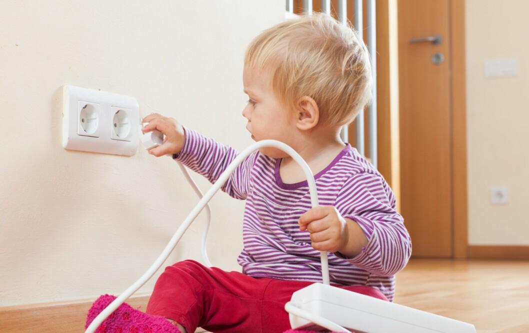 <b>SKREKKSCENARIO FOR FORELDRE:</b> Her er produktene du trenger for å sikre huset ditt. Foto: Shutterstock