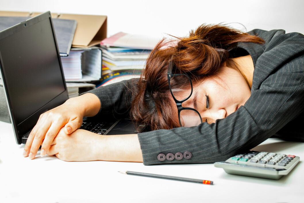 <strong>TOTALT UTSLITT:</strong> Stor søvnmangel kan få selv den mest energiske mor til å føle seg som en «zombie-mamma». Foto: Shutterstock
