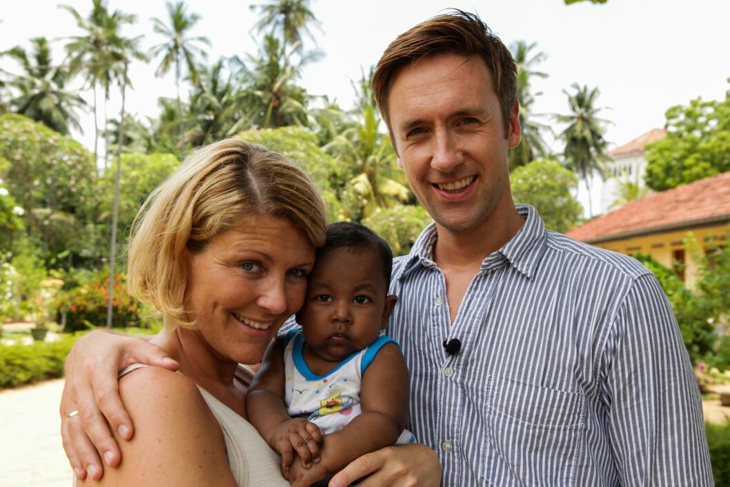 LYKKELIG FAMILIE PÅ TRE: Men tiden i Sri Lanka gjorde sterkt inntrykk på Kristin og Kristoffer Foto: Foto: TVNorge/Håvard Jenssen