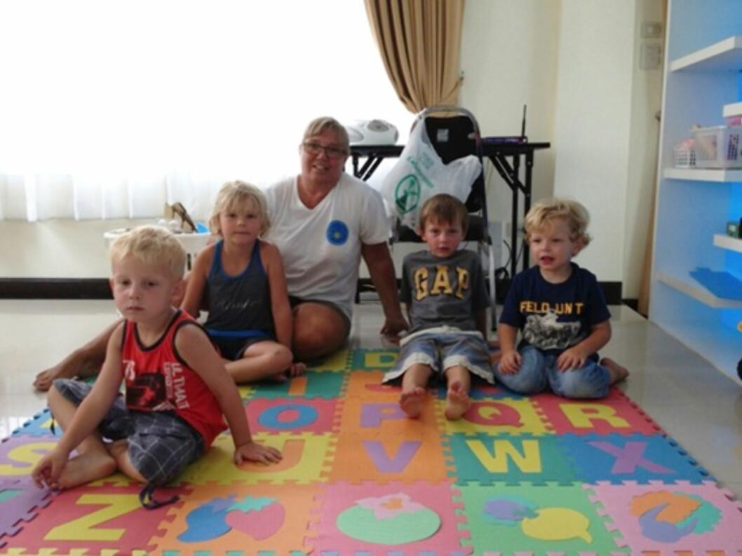 Carl Walther på fem år og Sivert på tre år trivdes godt i den svenske førskolen. Foto: privat
