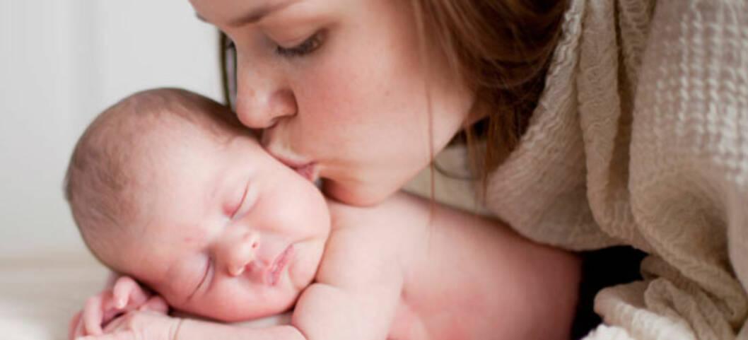 Mor og barn få dager etter fødsel. Foto: Majala Bjørnsen Tamber