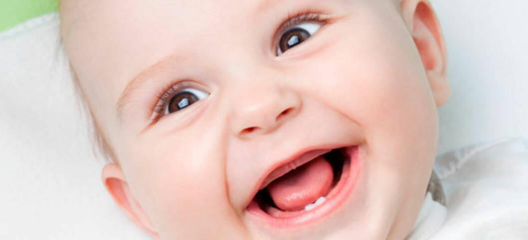 De første babytennene