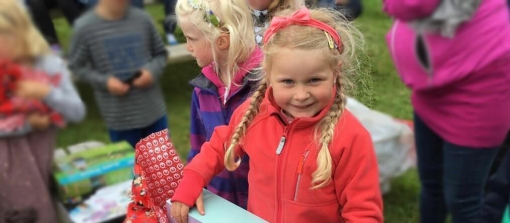 FELLES KLASSEGAVE: I første klasse ved Gard skole i Haugesund har foreldrene blitt enige om å ha en felles «klassegave» i barnebursdagene. Foto: Privat