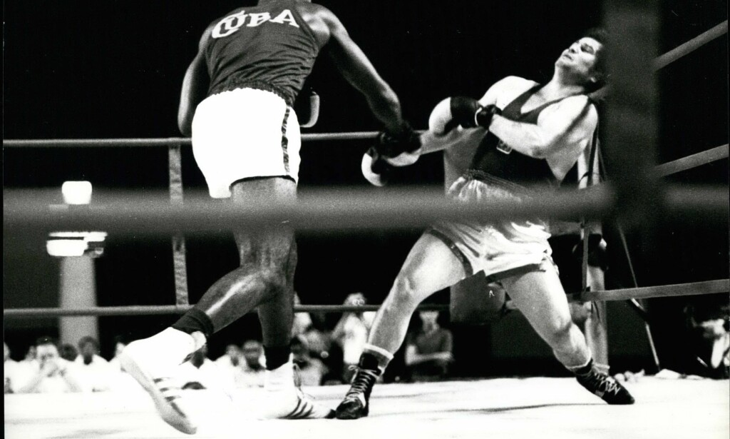 GOD KULTUR: Cubansk amatørboksing har sportslig sett vært noe av det aller beste i denne sporten. Her legendariske Teofilo Stevenson på vei mot enda en seier i kamp med den sterke tsjekkeren Petr Sommer. FOTO: TT/Jan Colisöö
