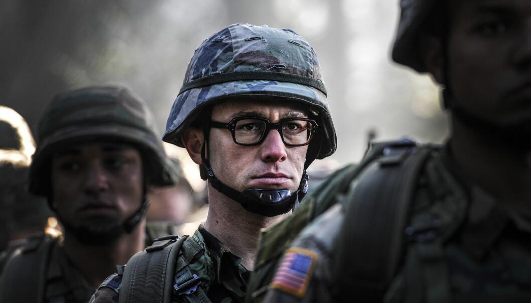 <strong>LABER INTERESSE:</strong> Få nordmenn har besøkt en kinosal for å få med seg filmen om Edward Snowden, spilt av Joseph Gordon-Levitt. Foto: Norsk Filmdistribusjon