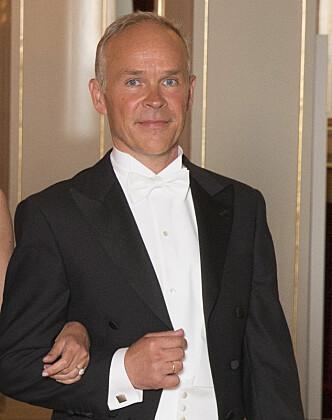 SANNER PÅ SLOTTET: Her ankommer Jan Tore Sanner en gallamiddag på Slottet i mai. Foto: NTB Scanpix