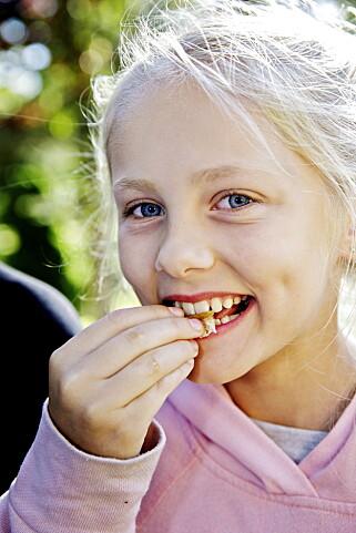 30.000 KRONER? Cornelie (10) spiser gjerne hvit trøffel igjen, men hun stusser over prisen.