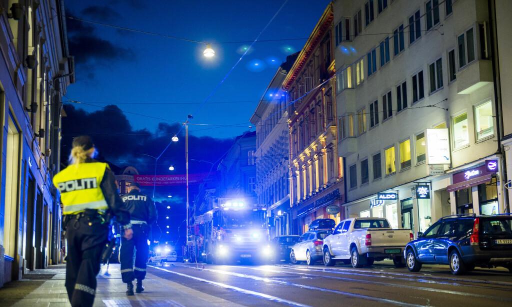 I AKSJON: Politi og brannvesen i Oslo rykket ut til en brann i en leilighet i Bogstadveien. Foto: Fredrik Varfjell / NTB scanpix