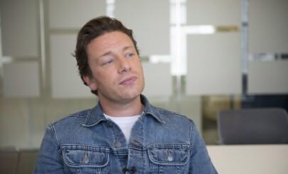 MULTITALENT: Jamie Oliver er mer enn bare en merkevare, han er involvert i alle menyene på alle restaurantene. Foto: The canadian press / Dane Coote