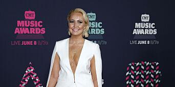 image: Avslører at hun ble befølt og truet av mannlig musikk-topp