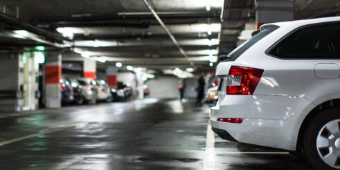 Nordmenn har flest biler i Skandinavia