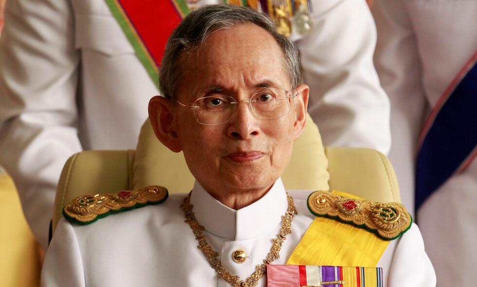 DØD: Kong Bhumibol Adulyadej har vært syk de seinere åra. Her fra 2012. REUTERS/Sukree Sukplang/NTB scanpix