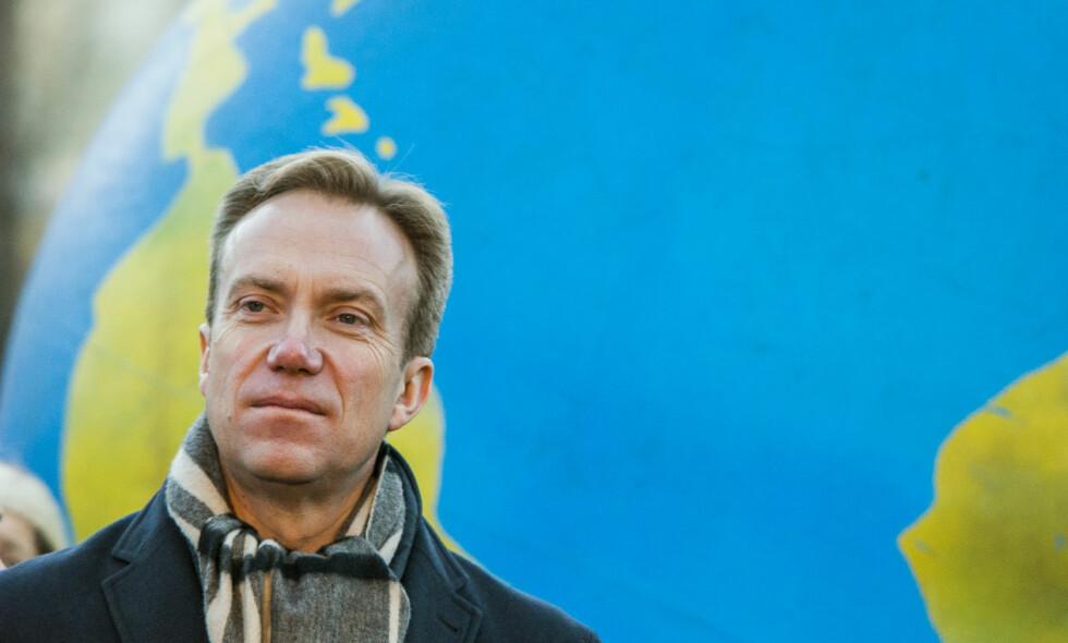 FÅR KRITIKK: Utenriksminister Børge Brende får pepper for å ha kuttet i den direkte bistanden til fornybar energi. Foto: Fredrik Varfjell / NTB scanpix