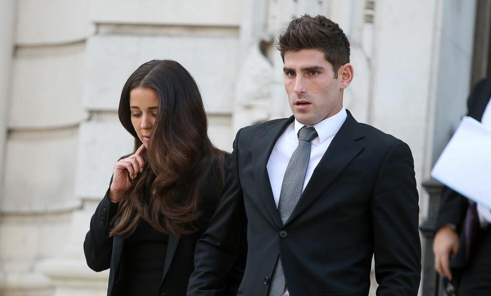 FRIKJENT: Ched Evans forlater her retten med forloveden Natasha Massey. Foto: Scanpix