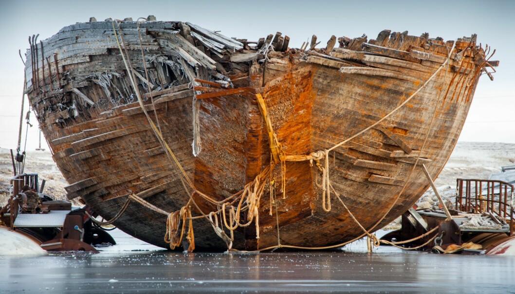 """<strong>FASTFROSSET IGJEN - MEN NYTT HÅP:</strong> Etter 86 i polarvann og søle er Roald Amundsens """"Maud"""" på rett side av isen og i oppsiktvekkende god stand. Foto: Jan Wanggaard, Maud returns home."""