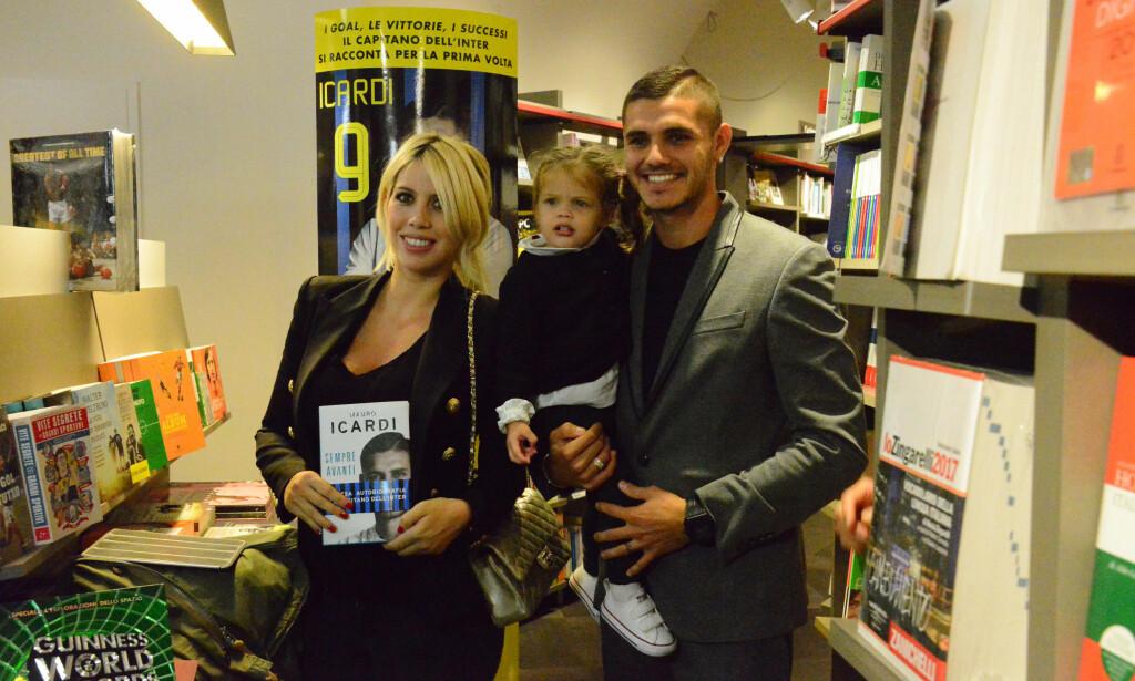 AGENT OG KONE: Mauro Icardi med Wanda Nara og dattera Francesca. Wanda er fotballspillerens kone og agent. Foto: NTB Scanpix