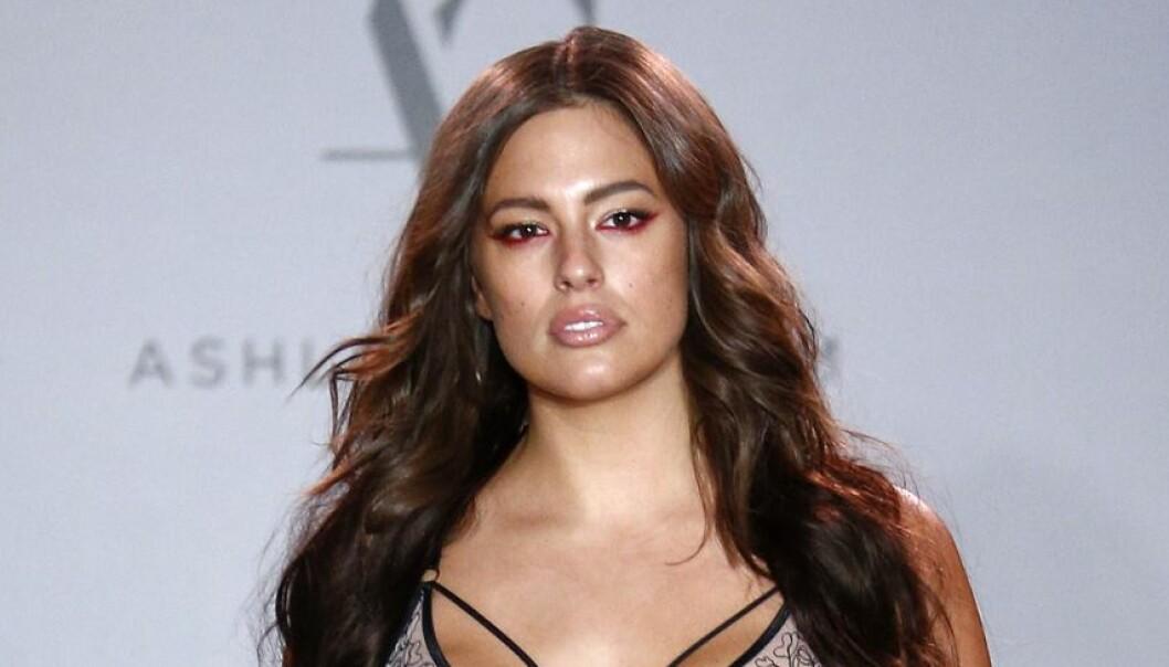 Fans raser mot det nye bildet av supermodellen