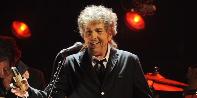 Bob Dylan spiller golf, er Amy Winehouse-fan, leser Tolstoj og har reklamert for dameundertøy