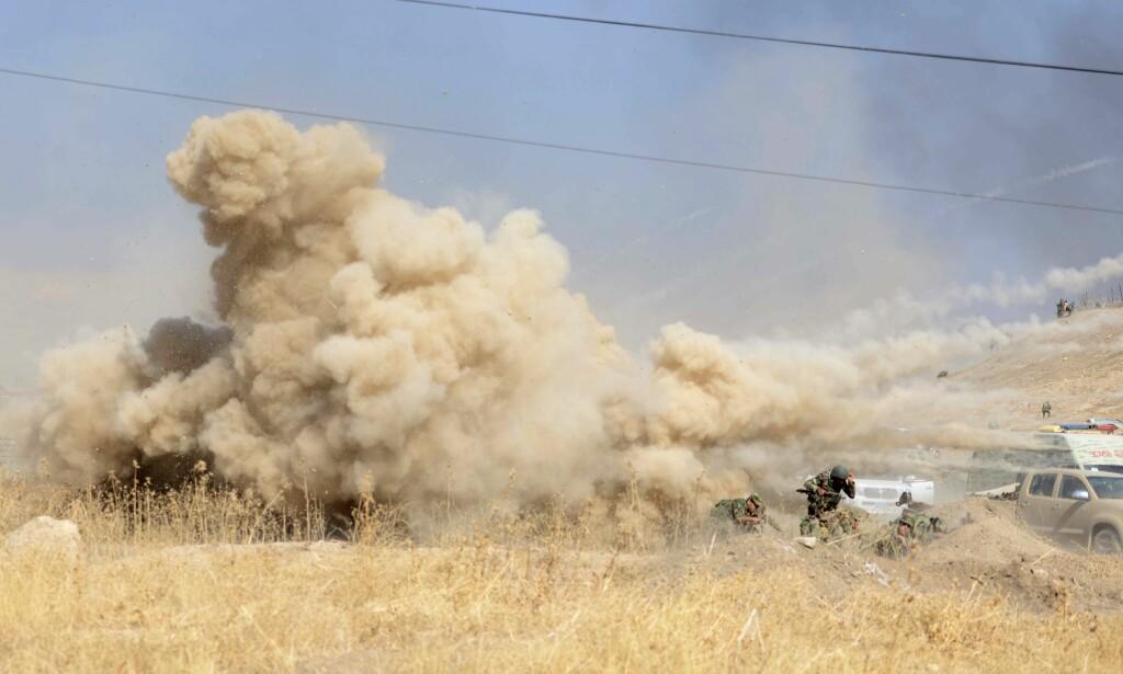 MOSUL: USA tror IS vil bruke kjemiske våpen for å beholde kontrollen i Mosul, sier en amerikansk tjenestemann. Foto: Hamit Huseyin / Anadolu Agency / Scanpix