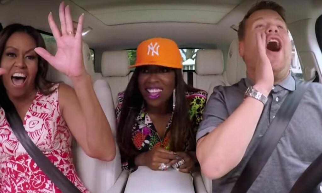 CLINTONS SOME-EKSPERT: Michelle Obama er ei viral stjerne og sankar klikk med alt frå karaoke imitasjonar til gripende kvinnesakstaler. Her er ho saman med Missy Elliot og James Corden i hans Carpool karaoke-konsept. Screenshot: Youtube.