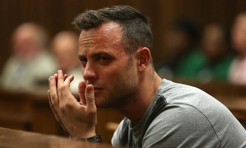 I FENGSEL: Oscar Pistorius soner en seks år lang dom etter å ha drept kjæresten sin. Her er han avbildet under rettssaken. Foto: Alon Skuy / AFP / NTB Scanpix