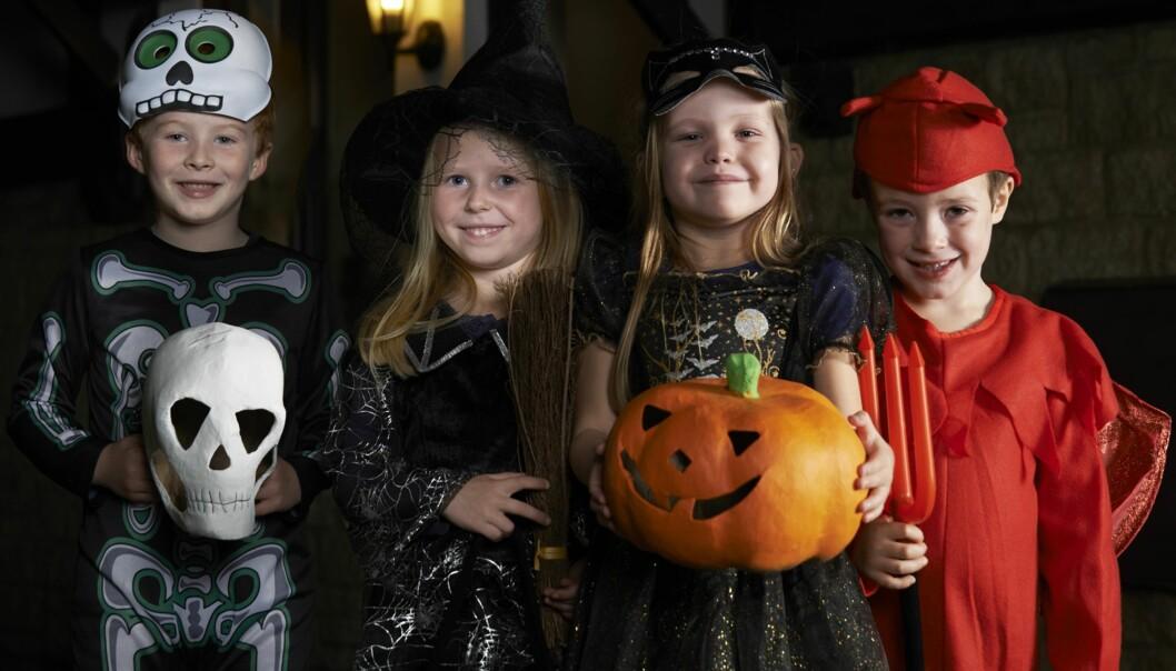 KNASK ELLER KNEP: Ikke alle er like begeistret for å få besøk av utkledde barn på døra under Halloween. Foto: NTB Scanpix