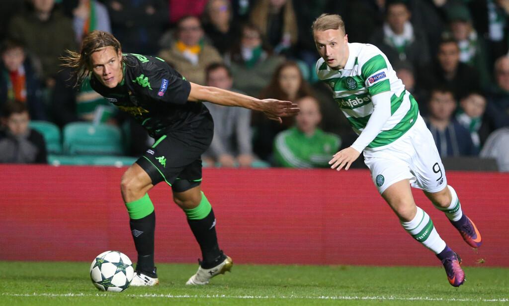 MISFORNØYD: Leigh Griffiths (til høyre) er misfornøyd med spilletida i Celtic. Her fra gårsdagens kamp mot Borussia Mönchengladbach i Champions League. Tyskerne vant 2-0. Foto: NTB Scanpix