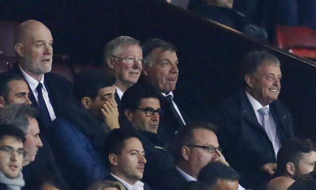 OLD TRAFFORD-DUO: Sir Alex Ferguson satt på tribunen sammen med tidligere England-trener Sam Allardyce. Foto: NTB Scanpix