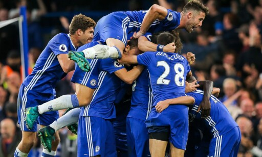 FESTKVELD: Chelsea jublet for fire scoringer da de ydmyket Manchester United på eget gress. Foto: NTB Scanpix
