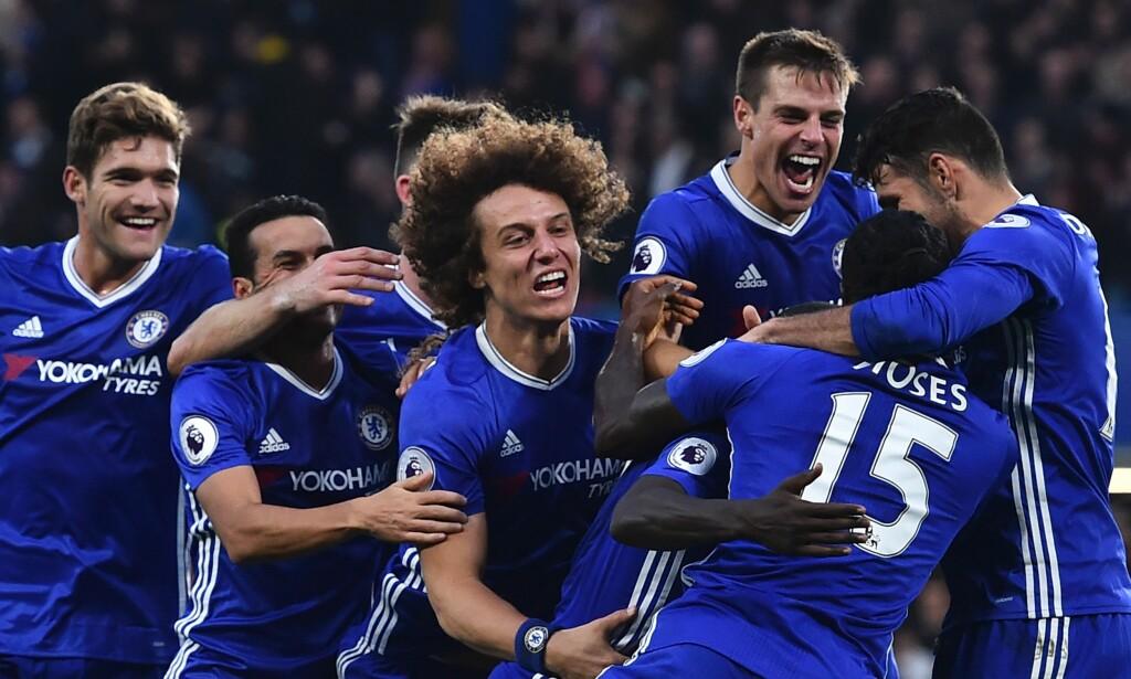 JUBEL: Chelsea-spillerne kan glise bredt i lang tid etter 4-0 over gamlesjefen José Mourinho. Foto: NTB Scanpix