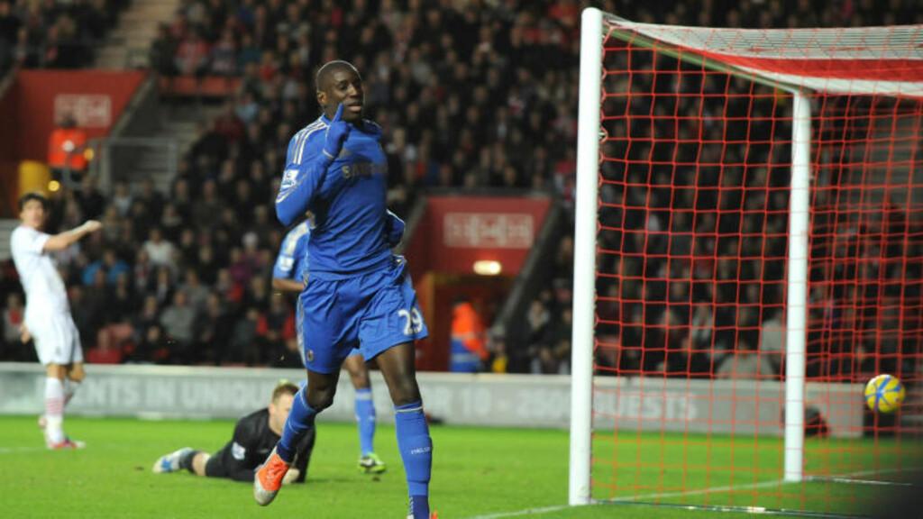 UMIDDELBAR SUKSESS: Demba Ba ble januarvinduets første store kjøp da han gikk fra Newcastle til Chelsea for omkring 7 millioner pund. Her scorer han sitt andre mål i debutkampen mot Southampton 5. januar. Foto: OLLY GREENWOOD, AFP / NTB SCANPIX