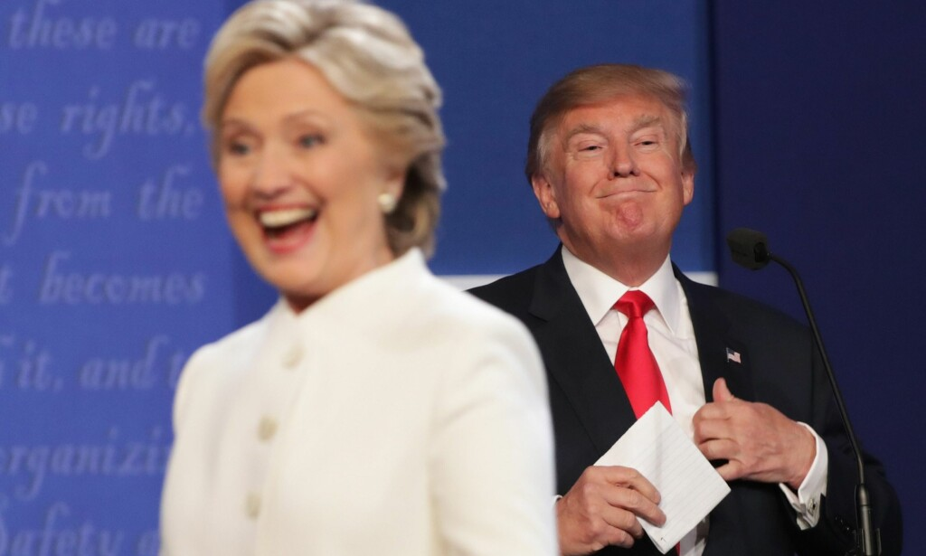 AUTENTISK: Hillary Clinton og Donald Trump etter den tredje kandidatdebatten 19. oktober. «The press takes him literally, but not seriously; his supporters take him seriously, but not literally.» I denne perspektivforskyvningen ligger mye av forklaringen på Trumps appell. I retrospekt klar som dagen, skriver Håvard Nyhus. Foto: Somodevilla/Getty Images/AFP