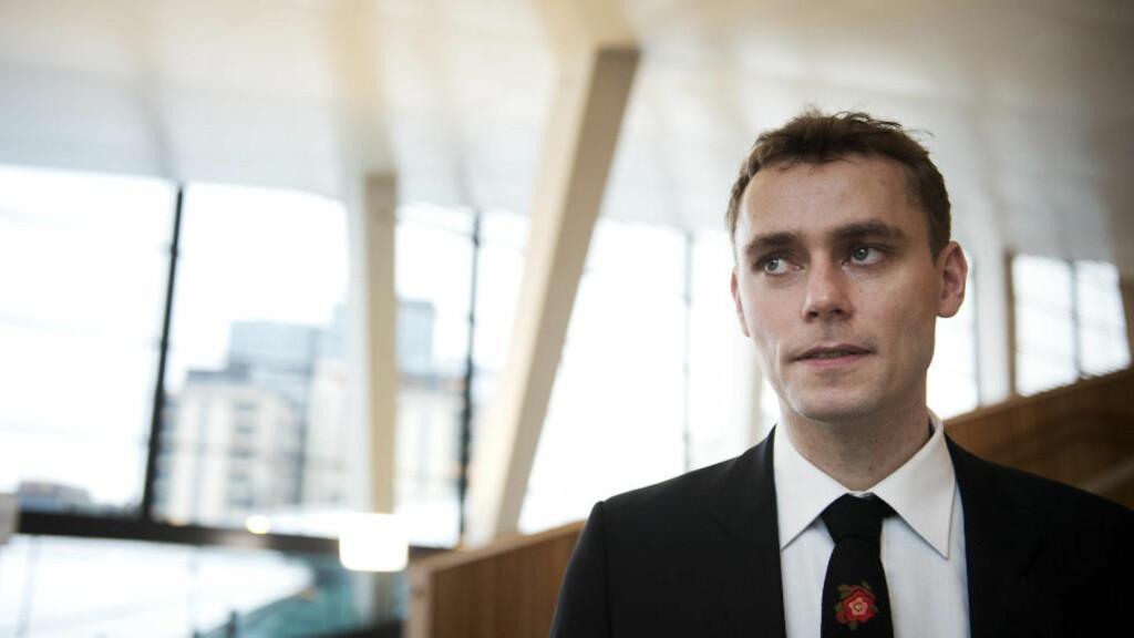 PROVOSERER: Olje- og Energiminister Ola Borten Moe provoserer med sine uttalelser om at det bør startes leteboring i Lofoten allerede i høst.  Foto: Øistein Norum Monsen / DAGBLADET