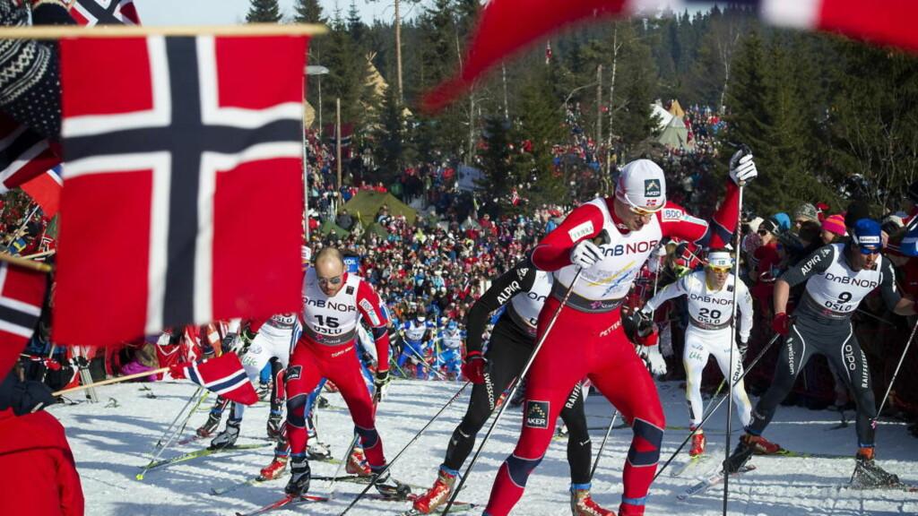 VÆRFLAKS 2011:  Petter Northug på vei mot VM-gull i i Holmenkollen i siste VM på strålende vinterføre for titusenvis av tilskuere i Nordmarka. FOTO: HANS ARNE VEDLOG / DAGBLADET.
